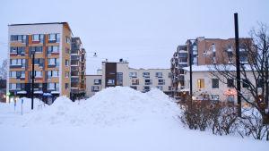Snöhög i Nickby centrum efter snöstormen 13.01.21