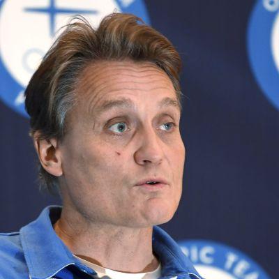 Mika Kojonkoski presenterade Finlands första OS-idrottare till Pyeongchang.