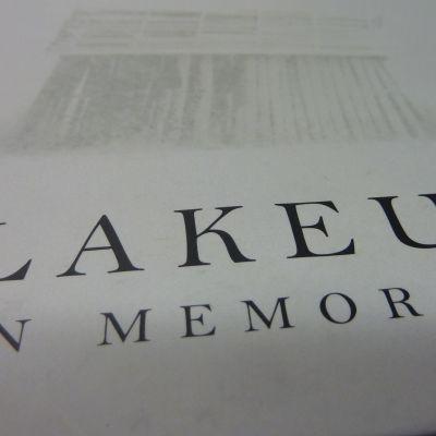 Lakeus in Memoriam on Jouko Ikolan ja Benjam Pöntisen runokuvateos.