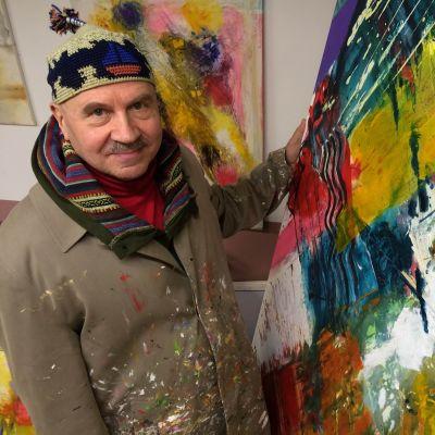 Eläkeläistaiteilija Pertti Ahonen