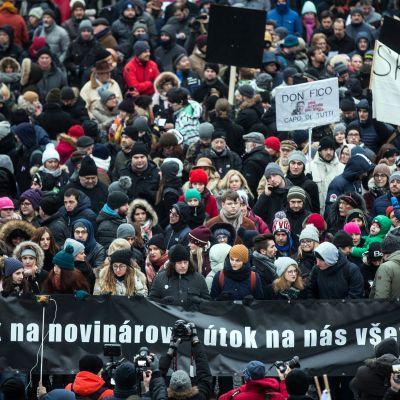 Mielenosoituksia Kuciakin muistoksi perjantaina