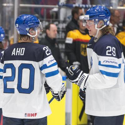 Sebastian Aho och Patrik Laine