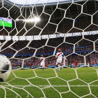 Asiantuntijat torstain otteluista: Tanska tarvitsee hyökkäystehoja, Peru voi yllättää