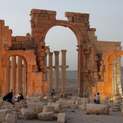 Triumfbågen i Palmyra 10.4.2016