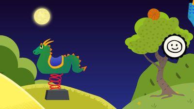 En leksakshäst i parken på natten.
