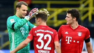 Bayern München jublar med Manuel Neuer i spetsen.