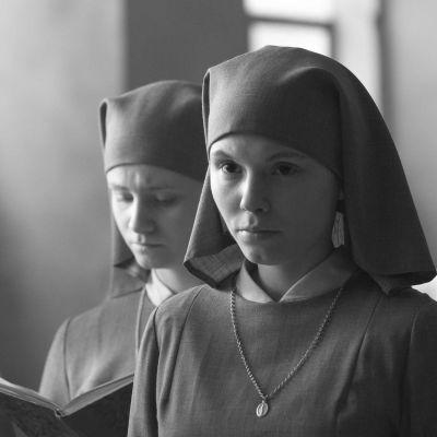 Agata Trzebuchowska elokuvassa Ida.