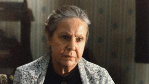 Rauni Luoma on Niskavuoren vanhaemäntä Loviisa elokuvassa Niskavuori (1984)