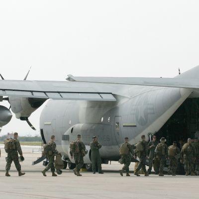 KC-130J Super Hercules-fraktplan i Japan år 2011