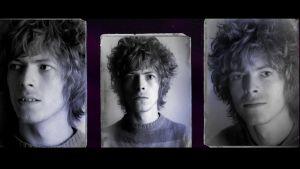 Vanhoja passikuvia nuoresta David Bowiesta. Kuva dokumenttielokuvasta.