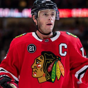 Jonathan Toews är Chicago Blackhawks lagkapten.