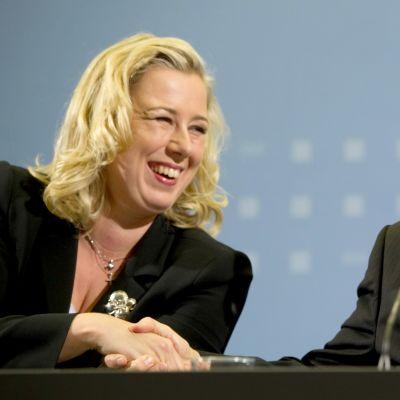 Valtiovarainministerit Jutta Urpilainen ja Wolfgang Schäuble tapasivat Berliinissä marraskuussa 2011.