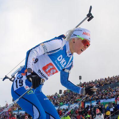 Mari Eder skidar.