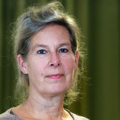 Institutet för hälsa och välfärds överläkare Hanna Nohynek i närbild.