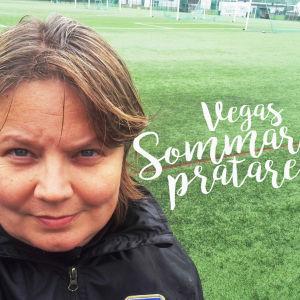 Porträttbild av Marianne Miettinen, med texten Vegas sommarpratare intill.