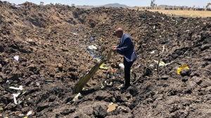 Ethiopia Airlines vd Tewolde GebreMariam vid olycksplatsen den 10 mars 2019.