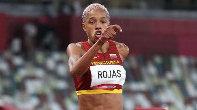 Yulimar Rojas hoppar i trestegsfinalen.