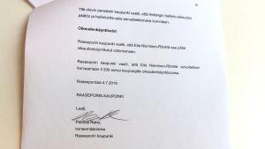 Ett bevärskompendium med en hel del text på finska. Dokumentet är underskrivet av Patricia Rehn som är koncernjurist i Raseborg.
