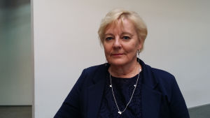 Erityispedagogiikan professori Leena Holopainen puolikuvassa
