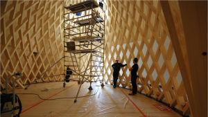 Markus Wikar designade den här träkonstruktionen.