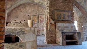 Matservering i antikens Ostia Antica.