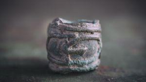 En bronspärla från vikingatiden