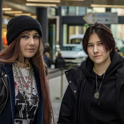 Emmi Ojalehto ja Nelli Hautakoski
