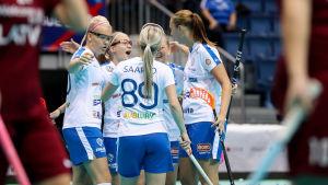 Finlands innebandylandslag jublar, VM 2017.