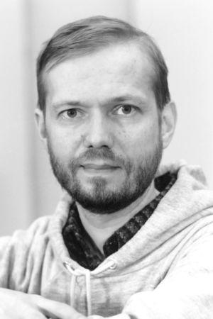 Säveltäjä Jukka Tiensuu.