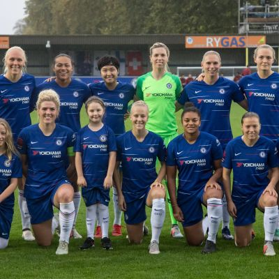 Lagfoto med Adelina Engman i Chelsea FC:s startelva.