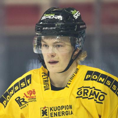 Alexander Ruuttu i rinken i Åbohallen.