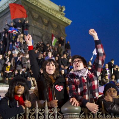 Hollandes anhängare jublar i Paris.
