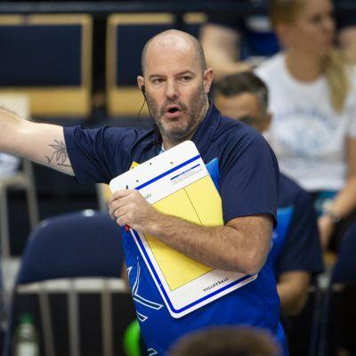 Joel Banks, Suomen lentopallomiesten valmentaja