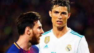 Då Cristiano Ronaldo spelade i Real Madrid spelade han ofta mot Lionel Messi i Barcelona.