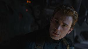 Captain America ser bekymrad ut.