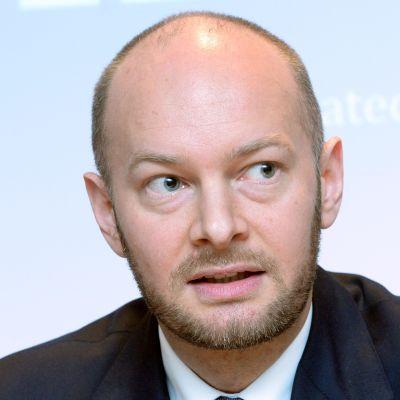 Sampo Terho, Europa-, kultur- och idrottsminister  (Blå).