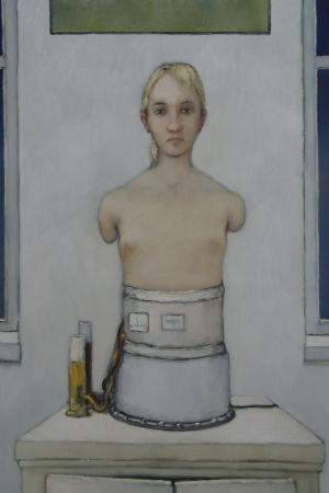 Målning av en kvinnas överkropp, utan armar, på en cylinderformad ställning.