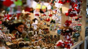 Joulumarkkinakoju Madridin Plaza Mayorilla.