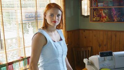 Niina Ilves (Karoliina Blackburn) sarjassa Tie Eedeniin