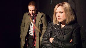 Jussi Järvinen som Robin och Julia Korander som Johanna