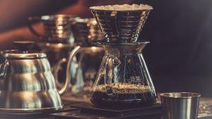 kahvi keittyy pannussa