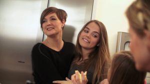 Maria Sundblom-Lindberg, familjeterapeut och programledare för Cirkus familj tillsammans med dottern Siri