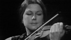 Seija Salmiala vuonna 1969. Vuonna 2008 Salmiala perusti säveltaiteita tukevan nimikkorahaston.