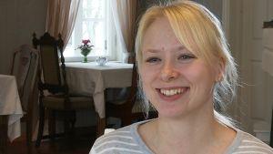 Sanna Puustinen är kapten i damlandslaget i curling.