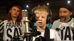 Rene päätyi levylaulajaksi.