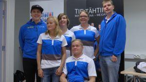 Sex av tolv idrottare som ingår i paralympiska kommitténs idrottarpool i programmet Tie tähtiin. september 2015.