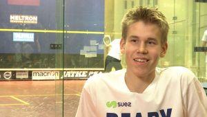 Squashspelaren Miko Äijänen i Sportmagasinet, september 2015.