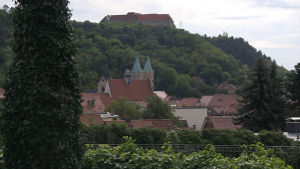 Rödluvan tillverkas i Freyburg