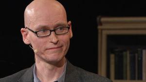 Kirjailija, psykologi Jussi Valtonen