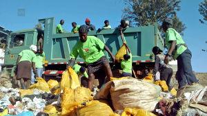 Jätteiden siivousta Kiberassa
